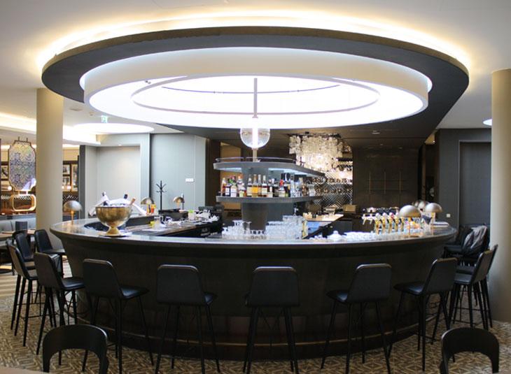 https://www.schmidt-leuchten.com/wp-content/uploads/2017/06/renaissance-hotel01_R_730x535.jpg