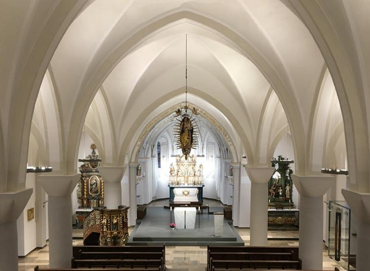 https://www.schmidt-leuchten.com/wp-content/uploads/2018/08/Kirche_Hirschberg_01_730x535.jpg