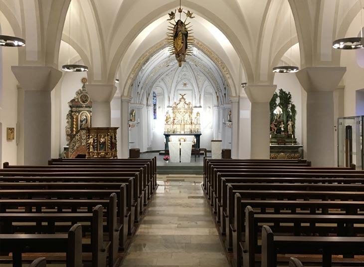 https://www.schmidt-leuchten.com/wp-content/uploads/2018/08/Kirche_Hirschberg_02_730x535.jpg
