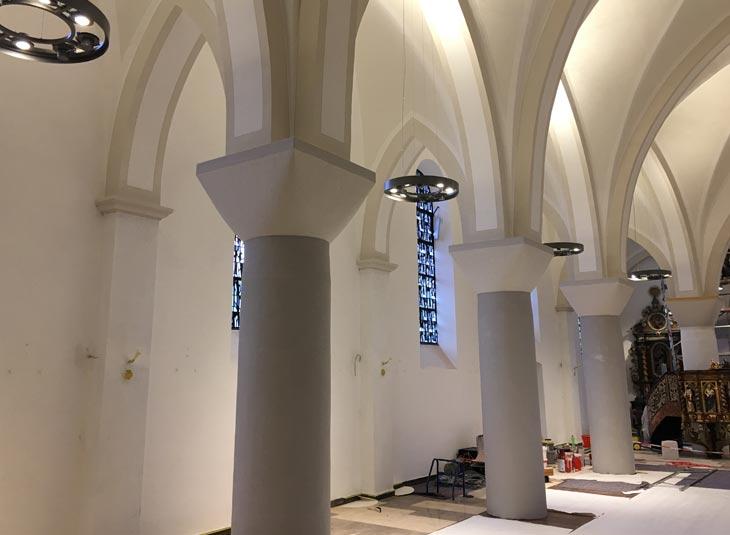 https://www.schmidt-leuchten.com/wp-content/uploads/2018/08/Kirche_Hirschberg_06_730x535.jpg