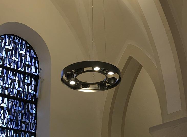 https://www.schmidt-leuchten.com/wp-content/uploads/2018/08/Kirche_Hirschberg_10_730x535.jpg