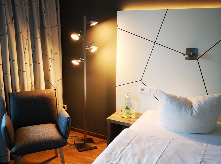 https://www.schmidt-leuchten.com/wp-content/uploads/2018/09/Hotel_Ullrich_04_730x535.jpg
